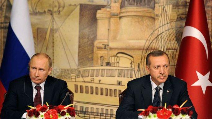 Tổng thống Erdogan (phải) và các quan chức Thổ Nhĩ Kỳ nhiều lần từ chối xin lỗi theo yêu cầu của Tổng thống Nga Vladimir Putin. Ảnh: AP
