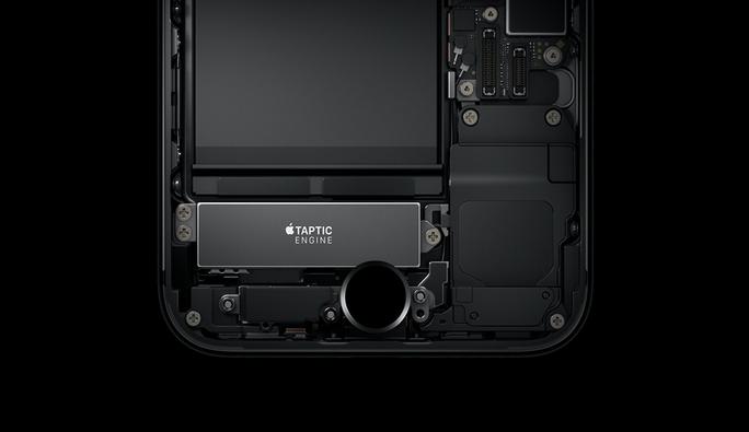 Kết hợp hệ thống Taptic Engine (cảm ứng lực nhấn) và tính năng 3D Touch, nút home mới dùng cảm ứng hoàn toàn không còn là home cứng như các phiên bản trước.