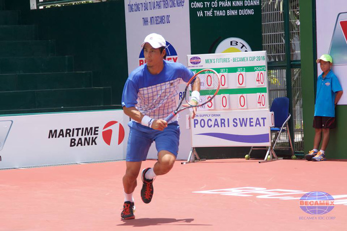 Tay vợt sinh năm 1986 Ito