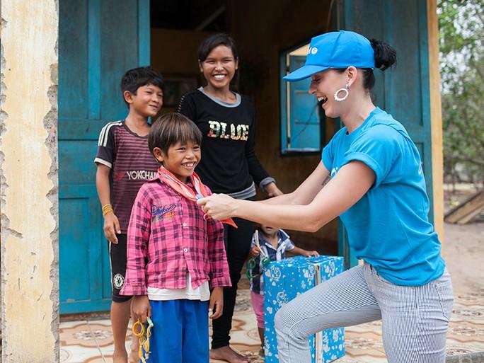 Katy Perry trong chuyến thăm Ninh Thuận mới đây