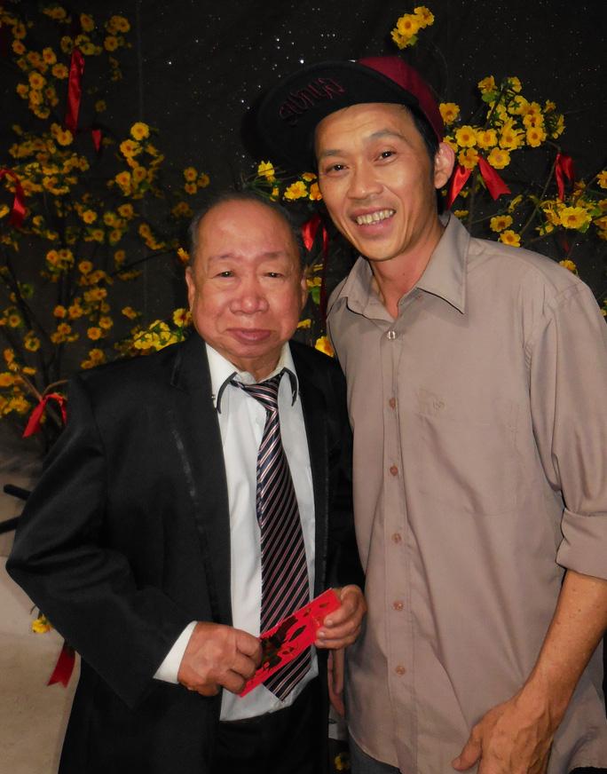 NSƯT Hoài Linh mỗi lần gặp danh hài Tùng Lâm là lì xì mừng tuổi bố