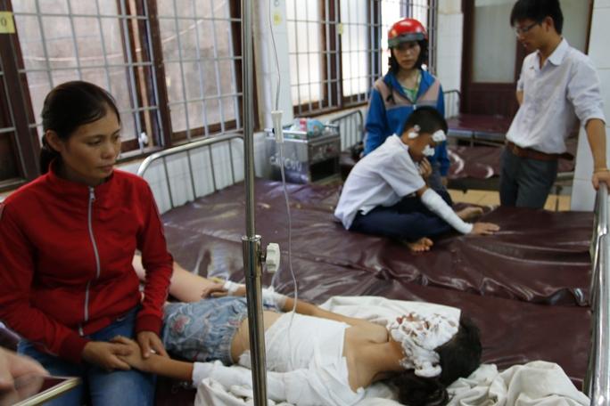 Các học sinh được cấp cứu tại Bệnh viện Đa khoa tỉnh Đắk Lắk