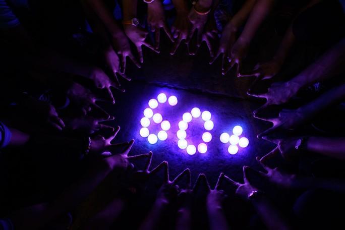 Sự kiện chính Tắt điện một giờ của chương trình Giờ Trái đất sử dụng đèn led thay cho nến