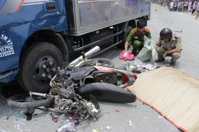 Hiện trường vụ tai nạn khiến 1 người tử vong, 1 người nguy kịch.