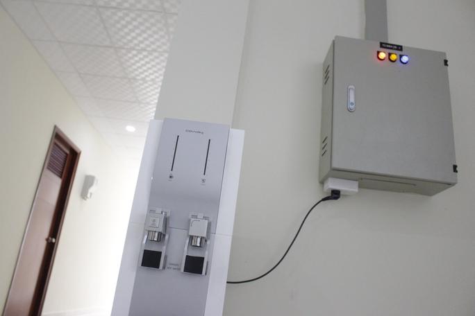 Mỗi tầng đều có một máy nước uống nóng lạnh. Khi năm học mới bắt đầu, KTX sẽ bắt đầu đi vào hoạt động.