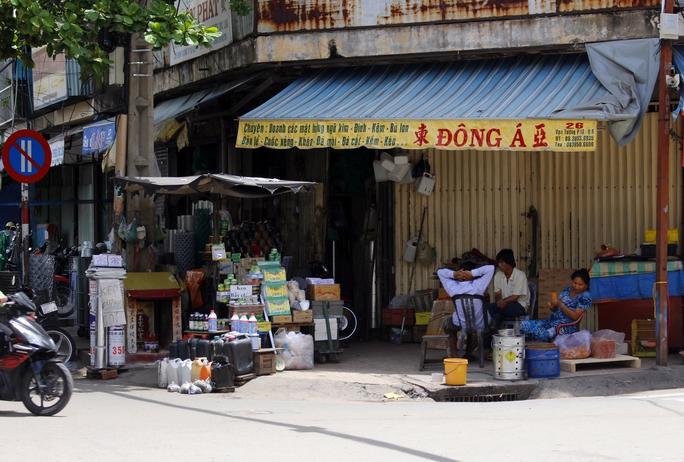 Chợ Kim Biên là khu vực buôn bán hóa chất tấp nập, nhộn nhịp nhất TP HCM.