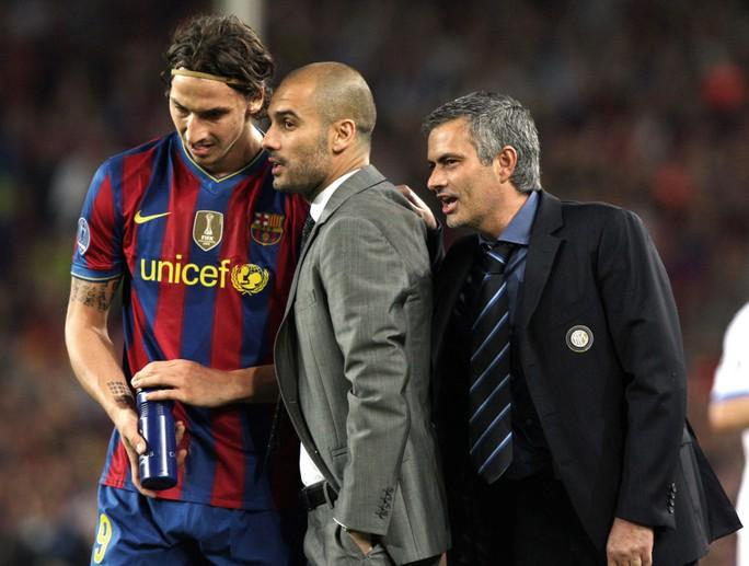 Ibrahimovic sẽ gặp lại cả hai ông thầy của mình ở trận derby sắp tới