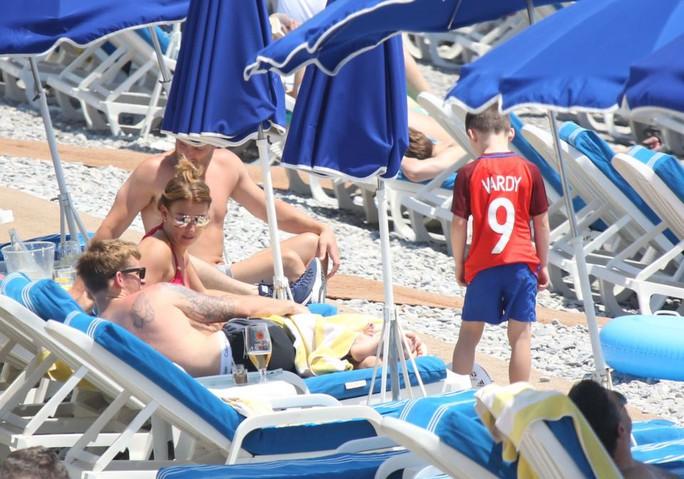 Con trai Rooney mê Vardy