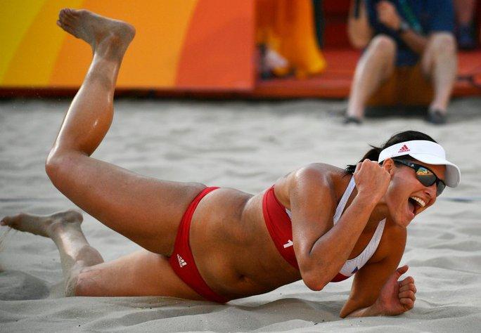 Barbora Hermannova của CH Czech trong một pha ăn điểm