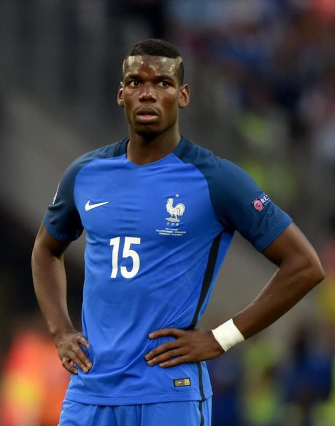 Pogba trong màu áo tuyển Pháp tại VCK Euro 2016