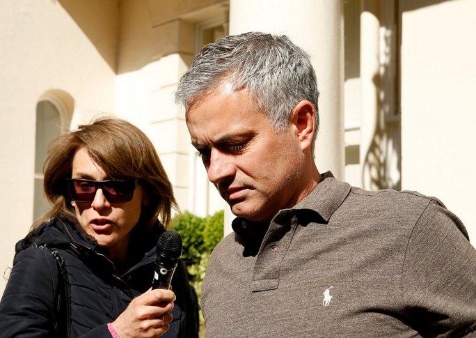 Mourinho vận chưa chính thức trở thành người của M.U