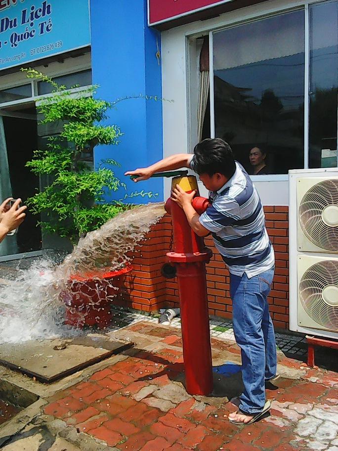 Vòi nước vẫn hoạt động bình thường