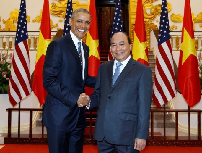 Thủ tướng Nguyễn Xuân Phúc hội kiến với Tổng thống Obama ngày 23-5 tại Hà Nội - Ảnh: TTXVN