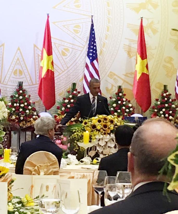 Tổng thống Obama phát biểu tại quốc yến chiêu đãi - Ảnh: Facebook Đại sứ Phạm Sanh Chau