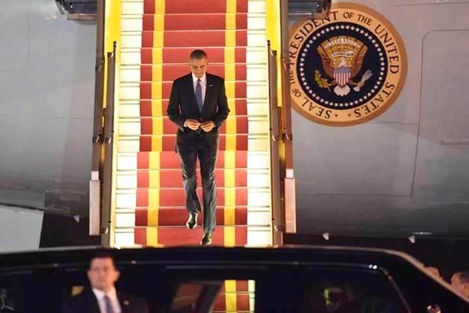 Tổng thống Obama đã đặt chân tới Hà Nội - Ảnh: Nguyễn Hưởng