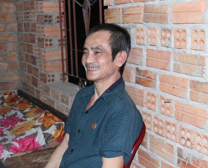 Ông Huỳnh Văn Nén trước khi bị tai nạn