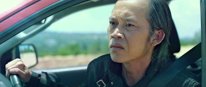 Hoài Linh trong phim Già gân, mỹ nhân và găng tơ. Ảnh: Internet