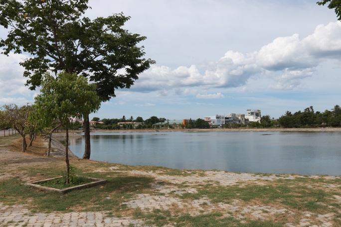 Hồ Nguyễn Du nơi Ly tử vong