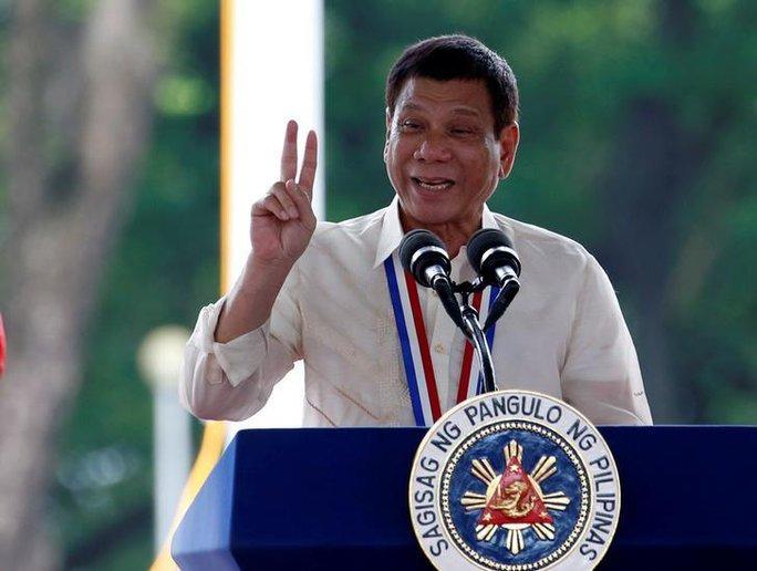 Tổng thống Rodrigo Duterte phát biểu tại TP Taguig ngày 29-8. Ảnh: REUTERS