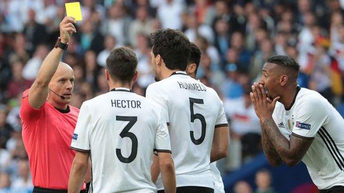Hàng thủ tuyển Đức sẽ không còn chắc chắn khi vắng Hummels