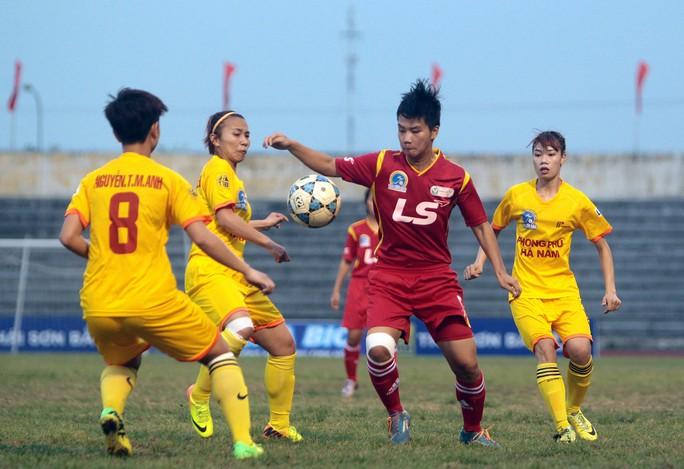 ĐKVĐ TP HCM 1 (đỏ) sẽ đại chiến với Phong Phú Hà Nam ngay trận mở màn lượt về