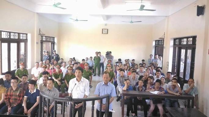 Quang cảnh phiên tòa xét xử Minh Sâm và đồng phạm