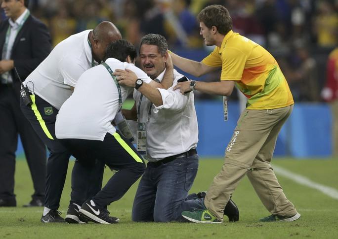 HLV Rogerio Micale cũng làm được điều mà rất nhiều người tiền nhiệm đều thất bại, giành HCV Olympic