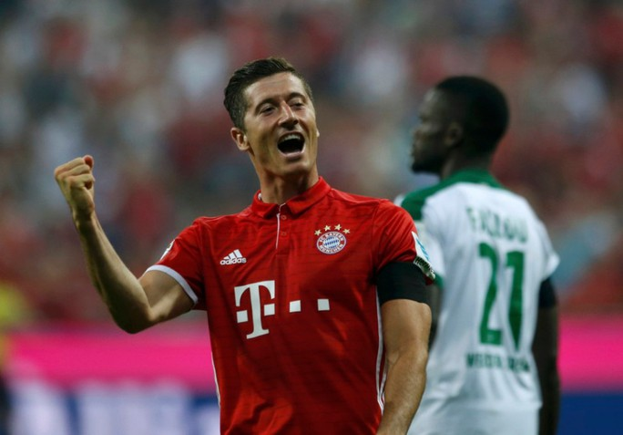 Tiền đạo Lewandowski xuất sắc với 1 hat-trick