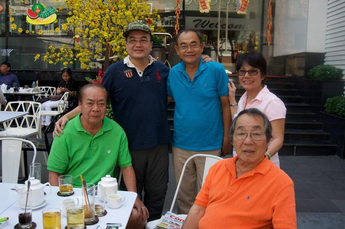 NS MInh Tâm, Tài Lương, Việt Anh gặp gỡ những người bạn tại quê nhà