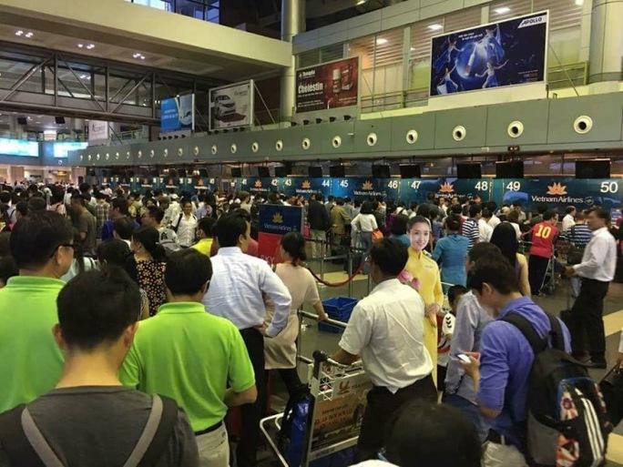 Sân bay Nội Bài khi gặp sự cố thông tin vào chiều ngày 29-7 - Ảnh: facebook