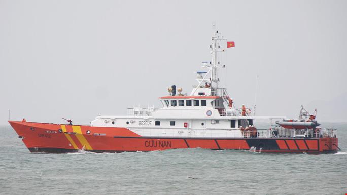 Tàu cứu nạn SẢ 412 với những thiết bị chuyên dụng đặc biệt đã lên đường tham gia tìm kiếm phi công Trần Quang Khải