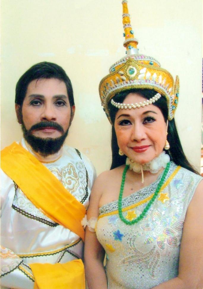 NSƯT Phương Quang (vai Vua Riêm) và NSƯT Thanh Vy (vai Xê Đa trong vở Nàng Xê Đa)