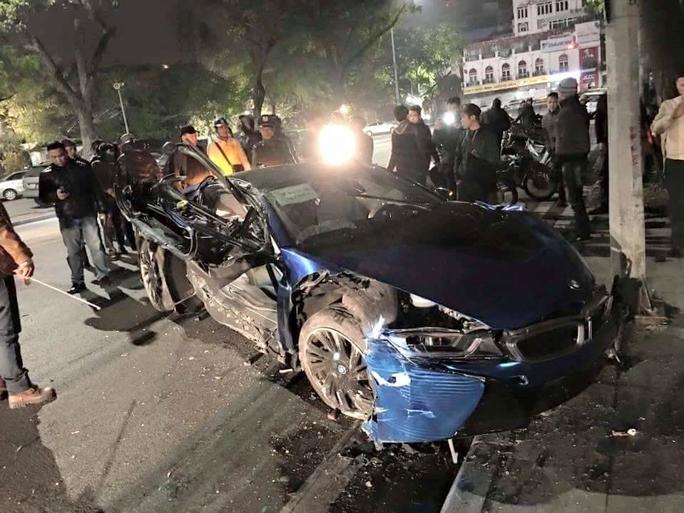 Hiện trường siêu xe BMW i8 gây tai nạn kinh hãi