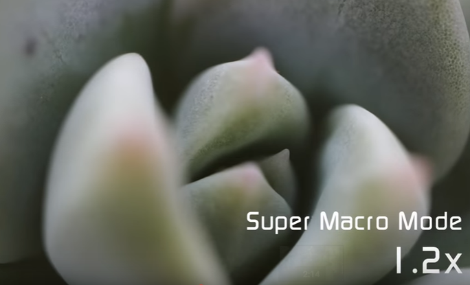 Ống macro đầu tiên tích hợp đèn LED