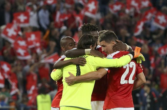 Thủ thành Sommer góp công giúp Thụy Sỹ gây sốc khi đánh bại đương kim vô địch châu Âu Bồ Đào Nha