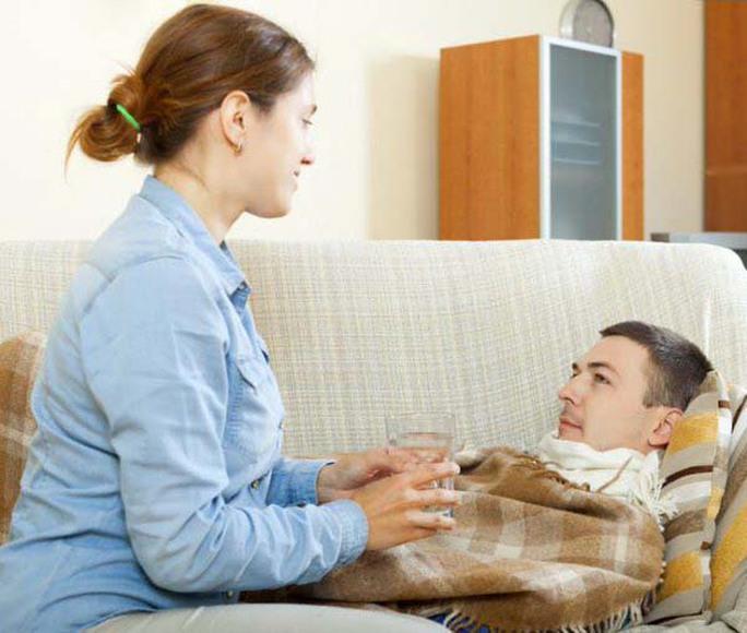 Đàn ông thường bị cúm nặng hơn nữ giới Ảnh: MNT