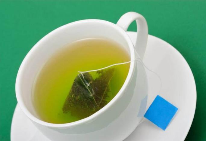 Thành phần trong trà xanh sẽ kết nối với sắt khi cả hai được dùng chung, làm giảm lợi ích của trà. Ảnh: MNT