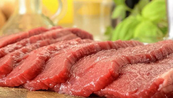 Giới y tế khuyến cáo thịt đỏ không lành mạnh bằng nguồn đạm từ thực phẩm khác. Ảnh: ZEE NEWS
