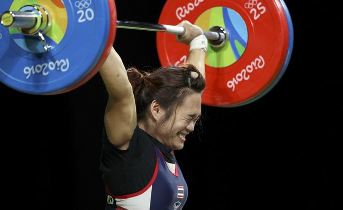 HCV cử tạ 58 kg nữ của Sukanya Srisurat giúp Thái Lan tiếp tục dẫn đầu khu vực Đông Nam Á ở Olympic Rio