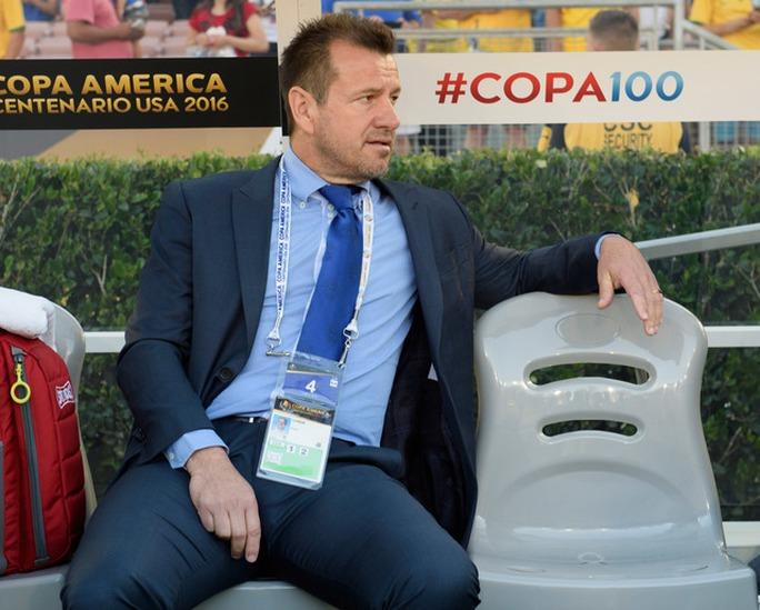 HLV Carlos Dunga gây thất vọng tại Copa America 2016