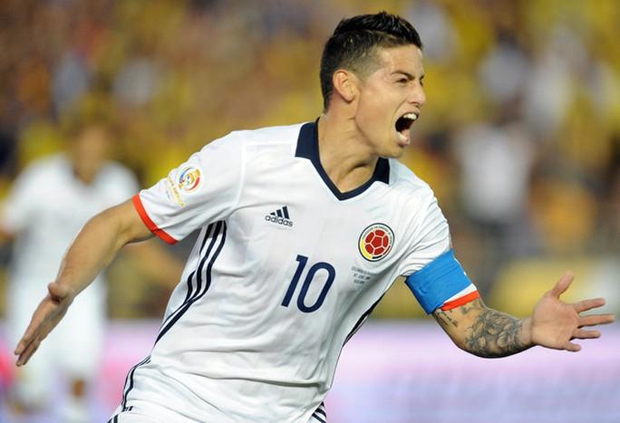 James Rodriguez, tác giả bàn thắng nâng tỉ số lên 2-0 cho Colombia