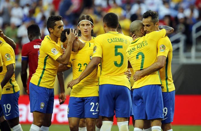 Brazil dễ dàng vượt qua Haiti 7-1