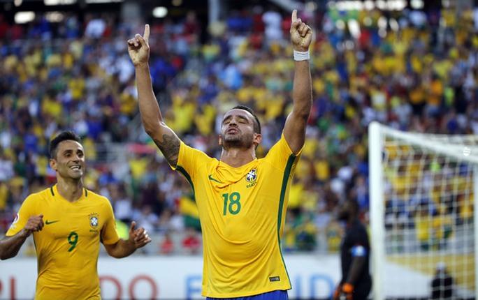 """Haiti lần đầu """"xé"""" lưới Brazil sau 57 năm"""