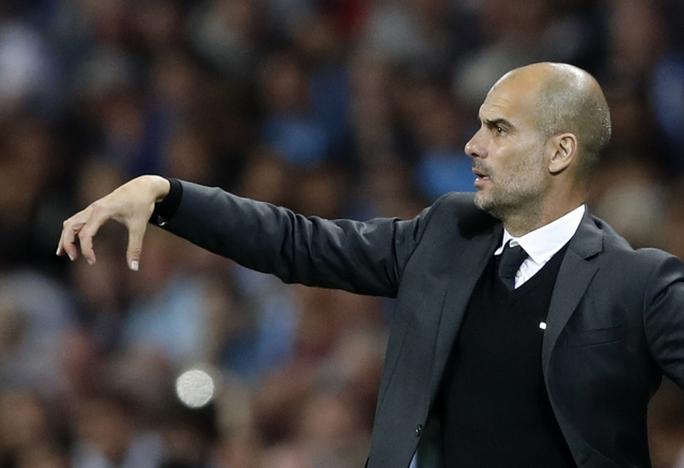 Pep Guardiola sẽ đối dầu Mourinho ở vòng 4