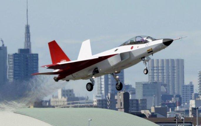 Máy bay chiến đấu tàng hình đầu tiên X-2 Shinshin do Nhật Bản sản xuất. Ảnh: Reuters