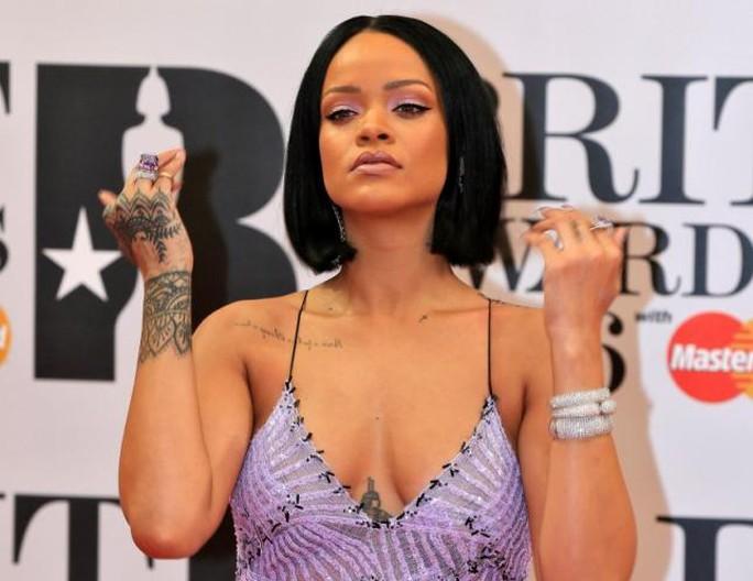 """Album """"Anti"""" của nữ ca sĩ Rihanna giữ vị trí dẫn đầu trên bảng xếp hạng Billboard 200 của Mỹ tuần qua"""