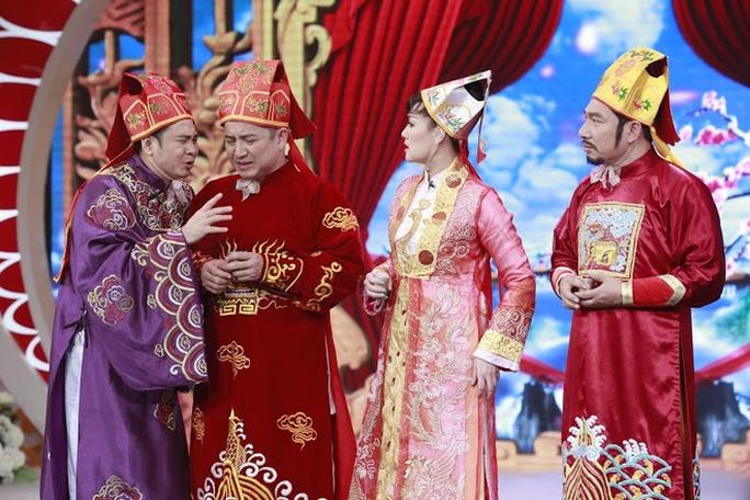 Quang Thắng (phải) đảm nhận vai Táo kinh tế với nhiều tiếng cười ra nước mắt về tình trạng bán hàng đa cấp