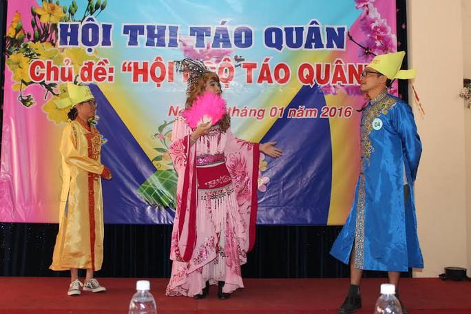 CNVC-LĐ tham gia hội thi Táo quân do LĐLĐ quận 8 tổ chức Ảnh: THANH NGA