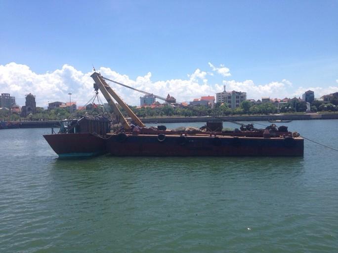 Trục vớt tàu chìm