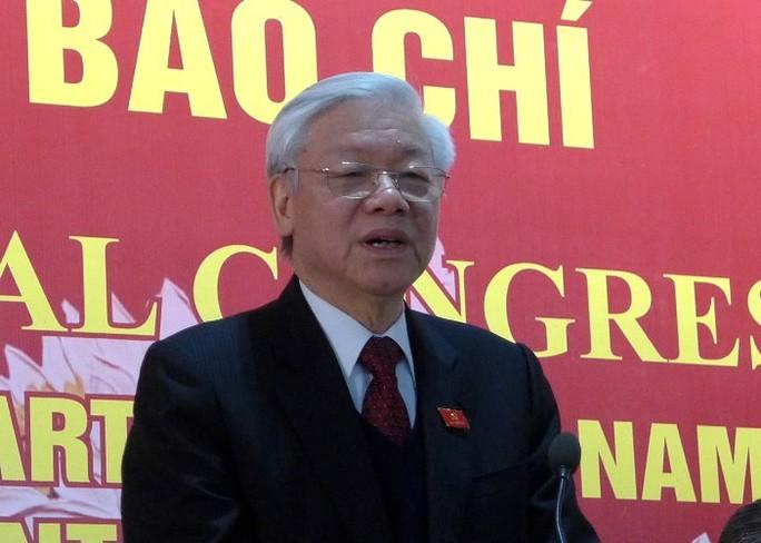 Tổng Bí thư Nguyễn Phú Trọng nói ông bất ngờ khi được Ban chấp hành Trung ương khóa XII bầu làm Tổng Bí thư với số phiếu gần 100%